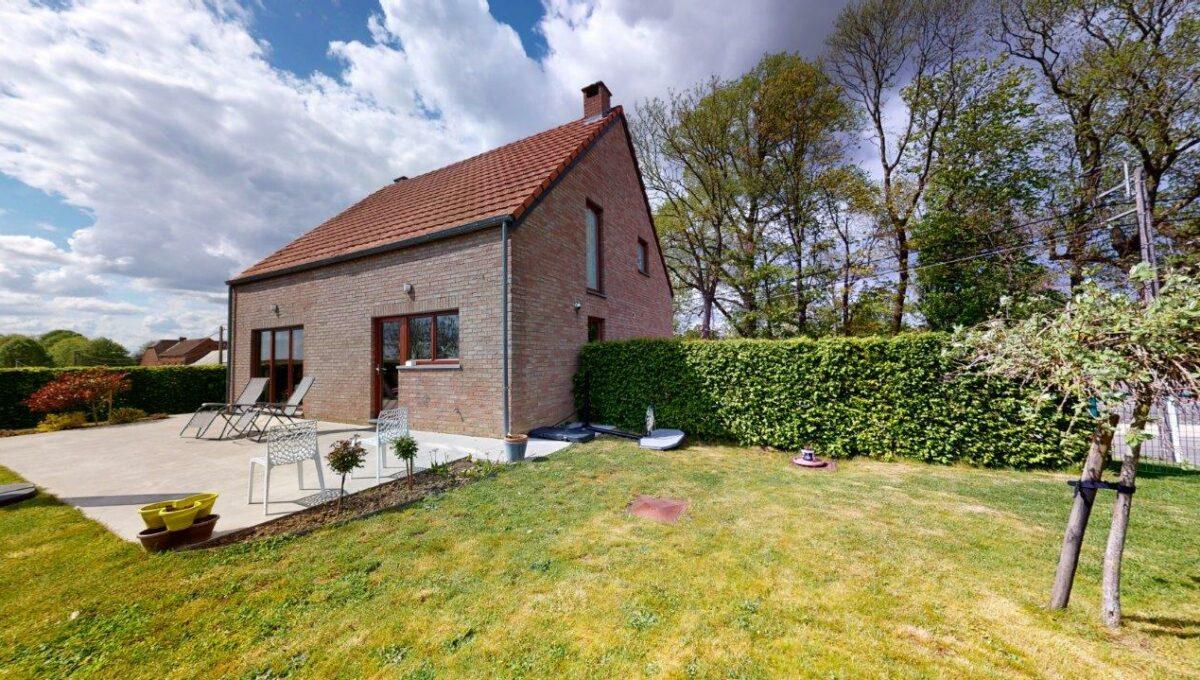 Les-Bons-Villers-Villa-4-facades-avec-garage-05192021_154823