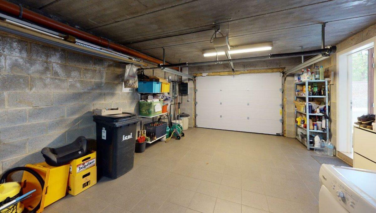 Les-Bons-Villers-Villa-4-facades-avec-garage-Garage