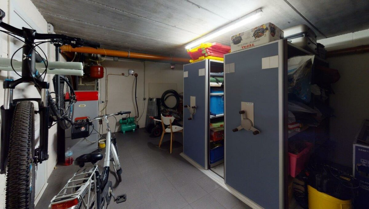 Les-Bons-Villers-Villa-4-facades-avec-garage-Garage(1)