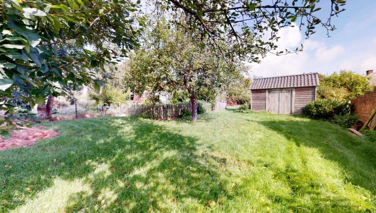 Villa-4-facades-avec-jardin-et-garages-09172021_195508